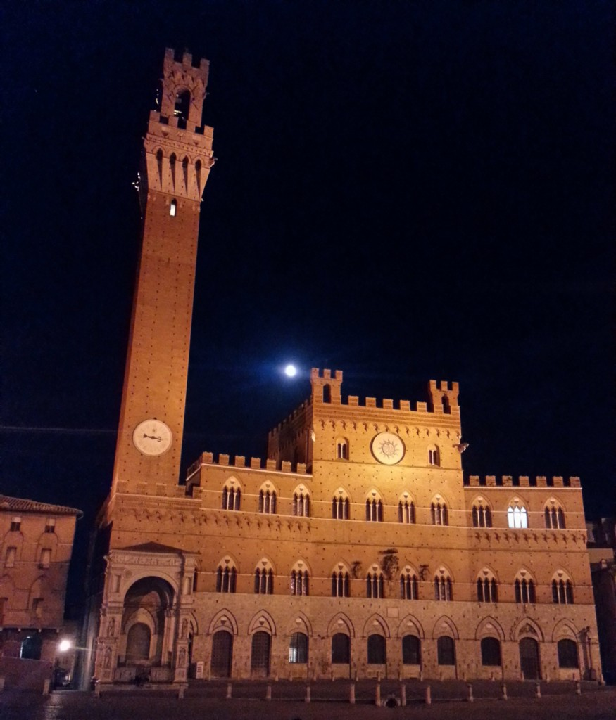Main square with the Mangia tower and moon
